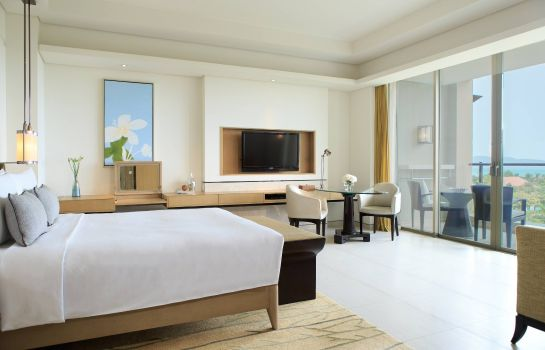 Suite Renaissance Sanya Resort & Spa