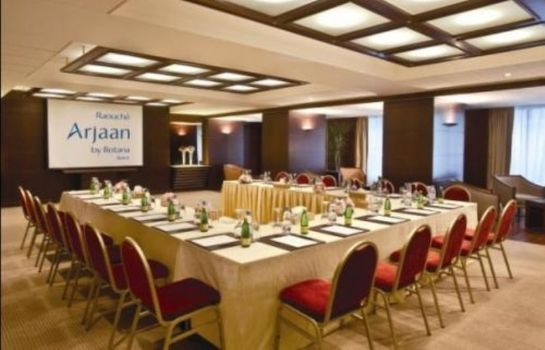Conference room Raouché Arjaan by Rotana
