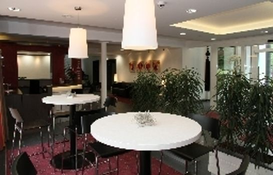 Hotel bar Airport Hotel Berger`s Park