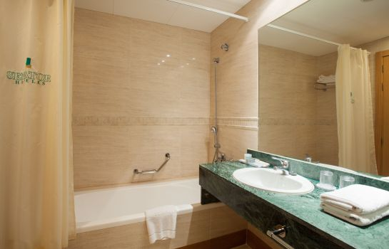 Bathroom Senator Marbella Spa Hotel