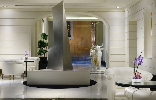 Hall THE FIRST Luxury Art Hotel Roma