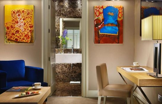Ambiente THE FIRST Luxury Art Hotel Roma