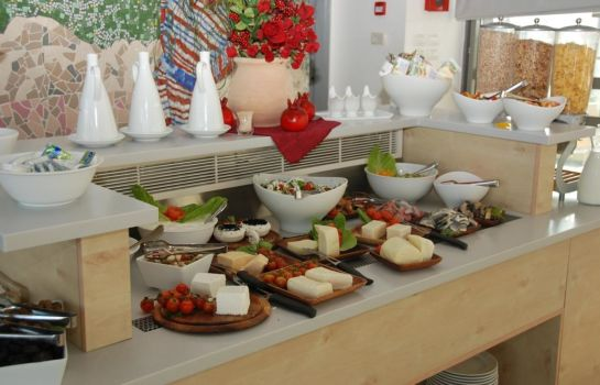 Breakfast buffet Gilgal