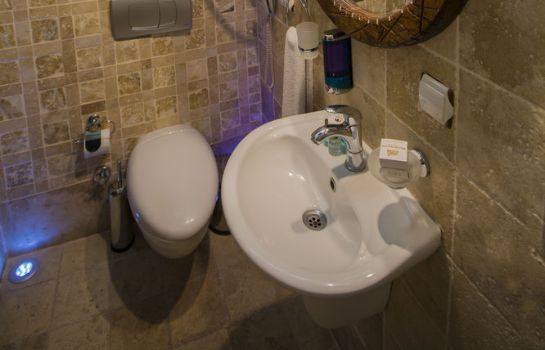 Badezimmer Roma Cave Suite Hotel