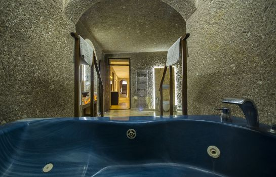 Whirlpool Roma Cave Suite Hotel
