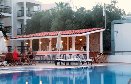 Bar del hotel Sina Hotel Suites Spa Beach (Adult Only +14)