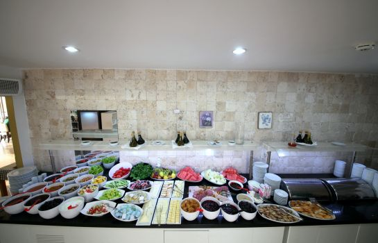 Bufet de desayuno Sina Hotel Suites Spa Beach (Adult Only +14)