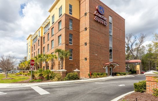 Exterior view Comfort Suites West of the Ashley