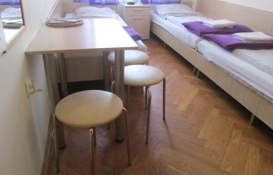 Triple room Euro-Room Hostel