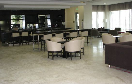Hotel-Bar Embassy Suites by Hilton Ontario Airport