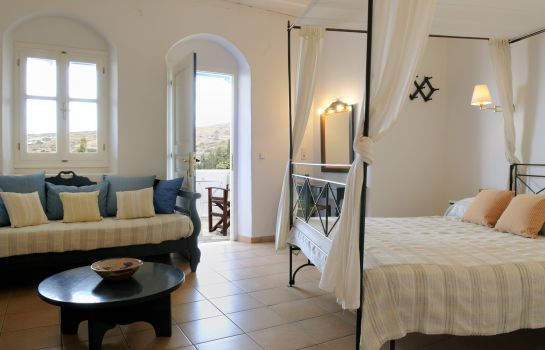 Triple room Lefkes Village