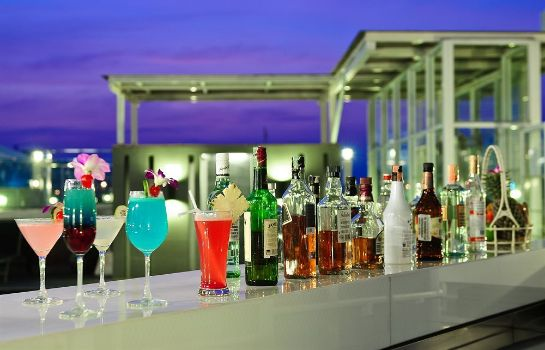 Hotel-Bar The ASHLEE Heights Patong Hotel & Suites