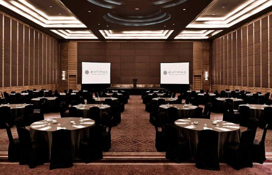 Conference room Pullman Jakarta Central Park