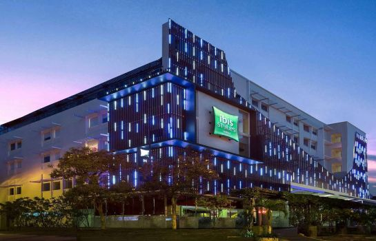 Buitenaanzicht ibis Styles Yogyakarta (previously all seasons)