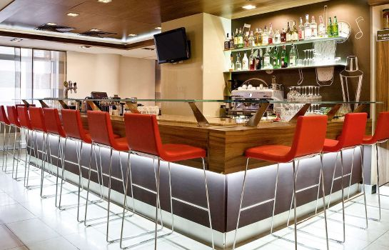 Bar del hotel ibis Kiev City Center
