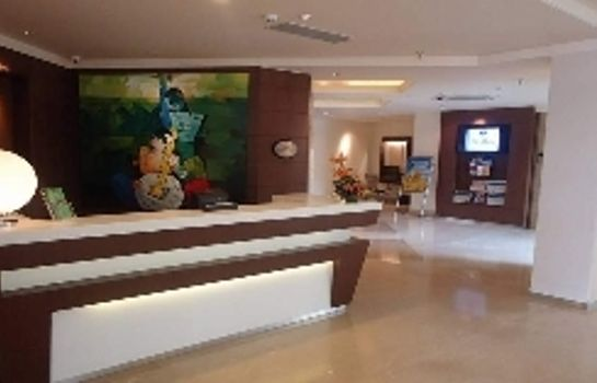 Recepción Ahmedabad Fortune Park - Member ITC Hotel Group