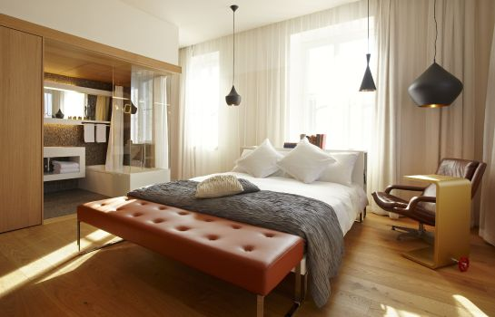 Camera B2 Boutique Hotel + Spa