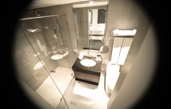 Bathroom S33 Sukhumvit Hotel