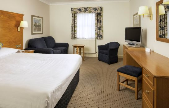 Standard room Mercure Bristol North the Grange Hotel