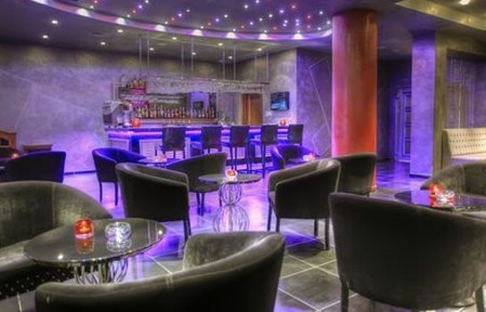 Hotel bar The Lake Palace Hotel Baku
