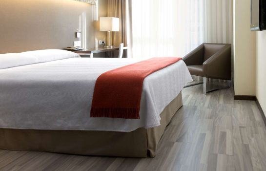 Single room (standard) NH Barcelona Diagonal Center