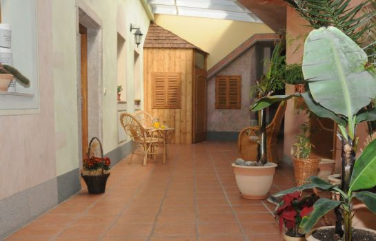 Hotelhalle Antoni Pension