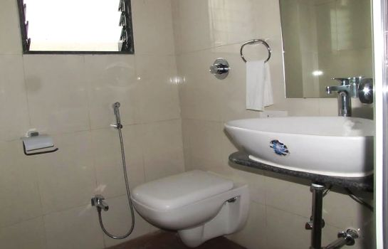 Bathroom Mayank Residency Airport Hotel