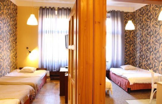 Four-bed room Cracow Old Town Guest House