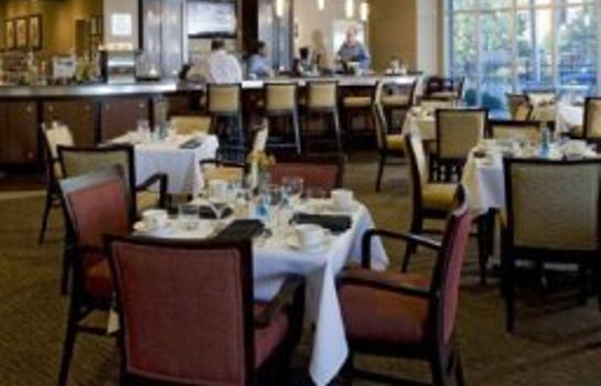 Restaurant DoubleTree by Hilton Baton Rouge