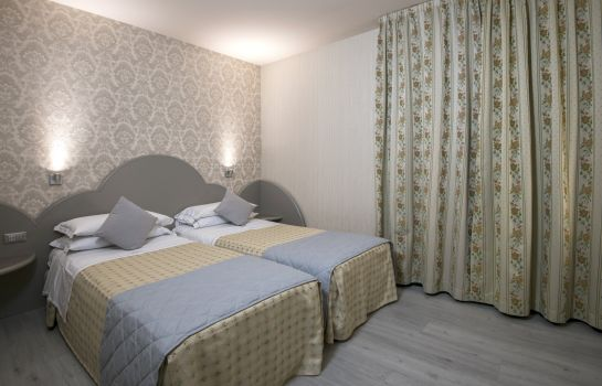 Chambre double (standard) Marchi Hotel