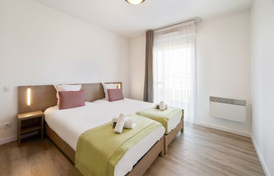 Double room (superior) Appart'City Versailles St Cyr l'Ecole
