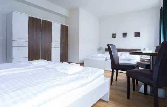 Four-bed room B&B Graz