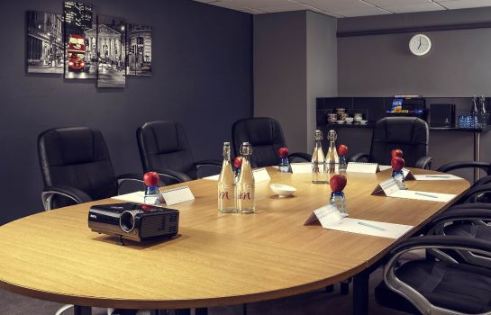 Conference room Mercure London Watford Hotel