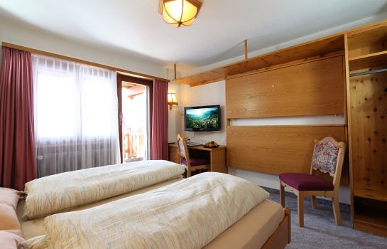 Double room (superior) Swiss Family Hotel Alphubel Kidshotel Saas-Fee