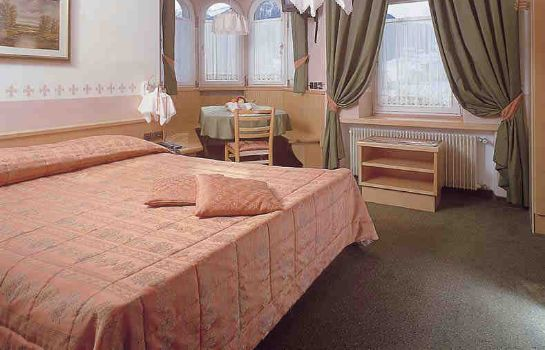 Four-bed room Rosalpina