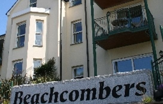 Buitenaanzicht Beachcombers Apartments