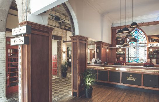 Reception Hatters Hostel Liverpool