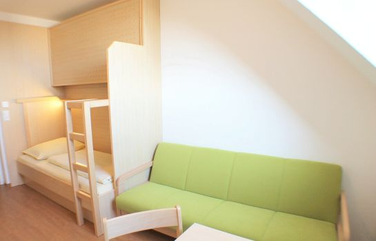 Single room (standard) Jugendgästehaus St. Gilgen