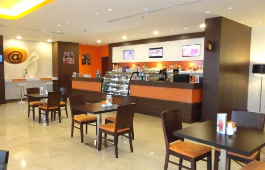 Bar hotelowy Golden Tulip Al Jubail