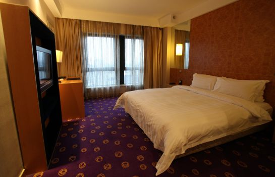 Room Ramada Plaza Pudong South
