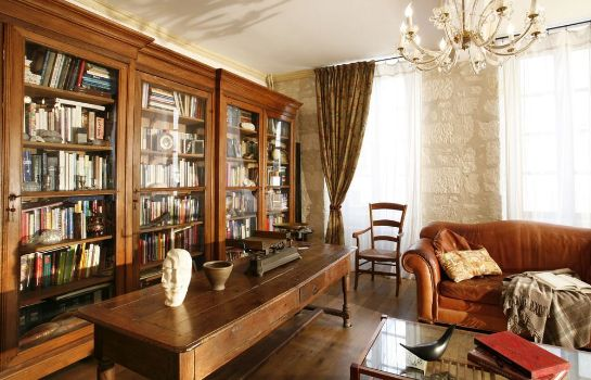 Reading room La Porte Rouge - The Red Door Inn Chambres d'Hotes