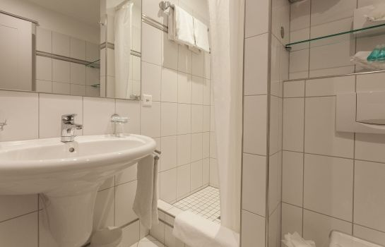Badezimmer EMA house Serviced Apartments Superior Standard