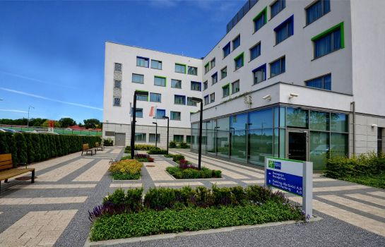 Vista exterior Holiday Inn Express WARSAW AIRPORT