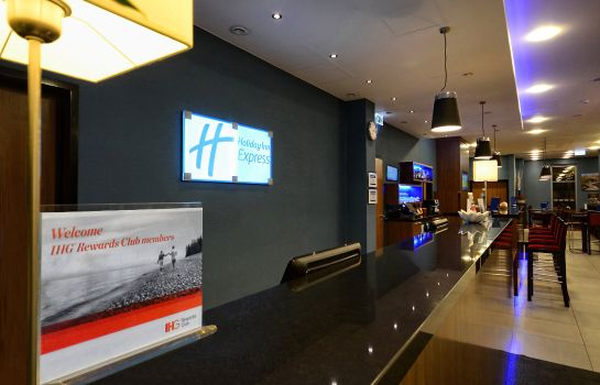 Hotelhalle Holiday Inn Express WARSAW AIRPORT