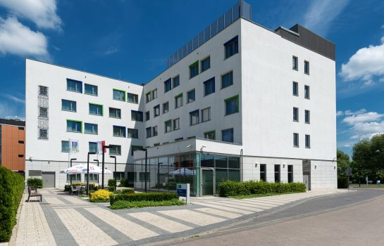 Info Holiday Inn Express WARSAW AIRPORT