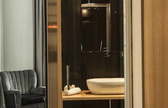 Bathroom Suite Art Navona
