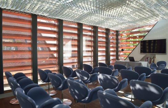 Sala de reuniones Vander Urbani Resort – a Member of Design Hotels™