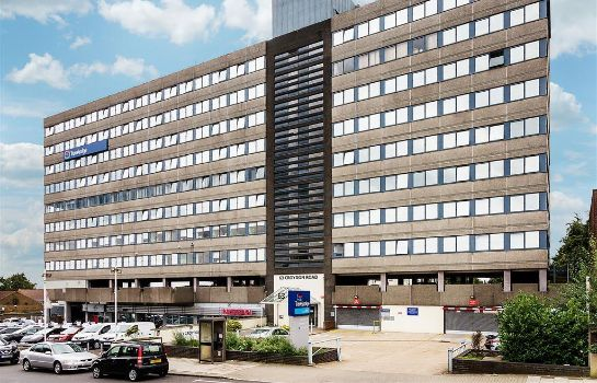 Exterior view TRAVELODGE LONDON CRYSTAL PALACE