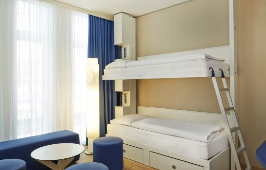 Four-bed room H2 Hotel München Messe