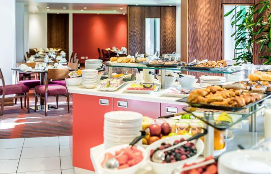 Breakfast buffet Masson House